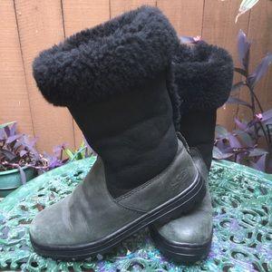 Womens Black & Gray Uggs Size 7